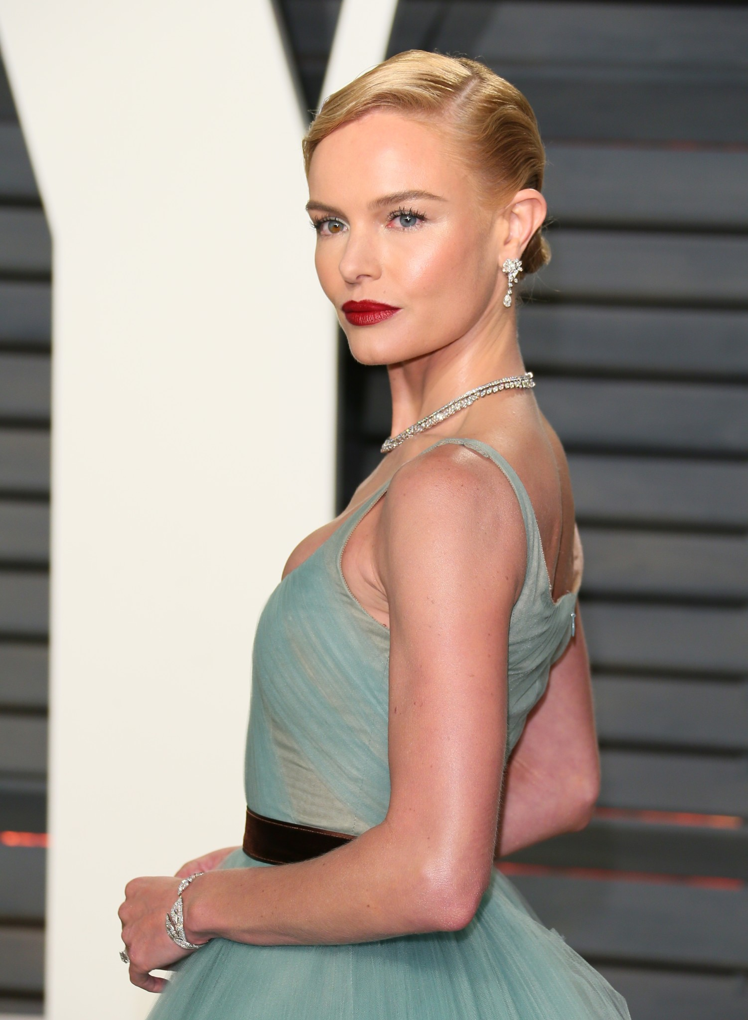US actress Kate Bosworth arrives to the Vanity Fair Party following the 88th Academy Awards at The Wallis Annenberg Center for the Performing Arts in Beverly Hills, California, on February 26, 2017. / AFP / JEAN-BAPTISTE LACROIX (Photo credit should read JEAN-BAPTISTE LACROIX/AFP/Getty Images)