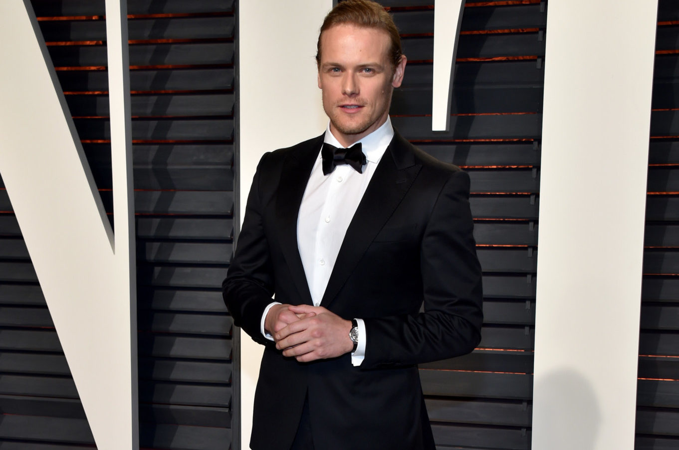 BEVERLY HILLS, CA - FEBRUARY 26: Actor Sam Heughan attends the 2017 Vanity Fair Oscar Party hosted by Graydon Carter at Wallis Annenberg Center for the Performing Arts on February 26, 2017 in Beverly Hills, California. (Photo by Pascal Le Segretain/Getty Images)