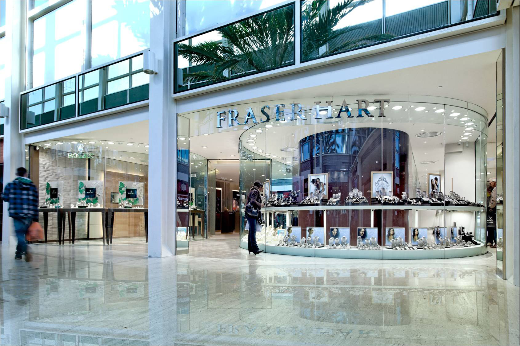 Fraser Hart stores like this one in Milton Keynes MK Centre, draw customers into the store and give more space to fewer watch and jewellery brands.